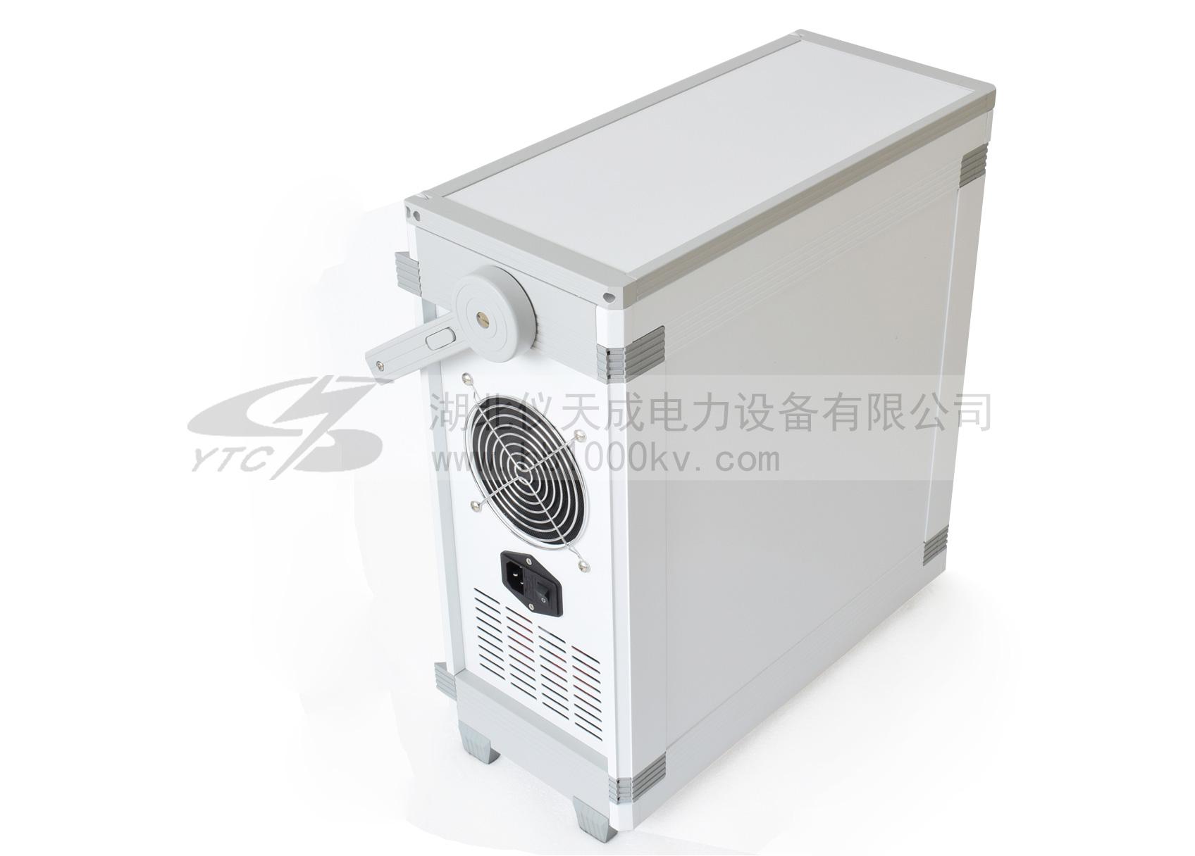 YTC860微机继电保护测试仪背面图
